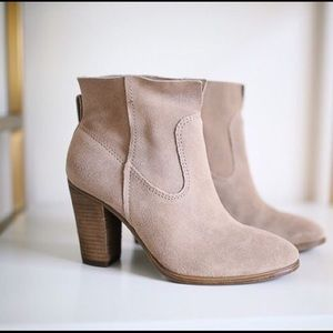 b0277ec6f62 Vince Camuto · Vince Camuto Feina Suede Booties ...